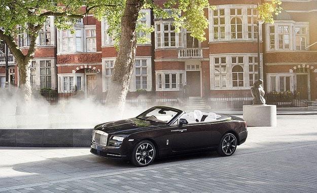 Rolls-Royce направи Dawn с арматурно табло от мед