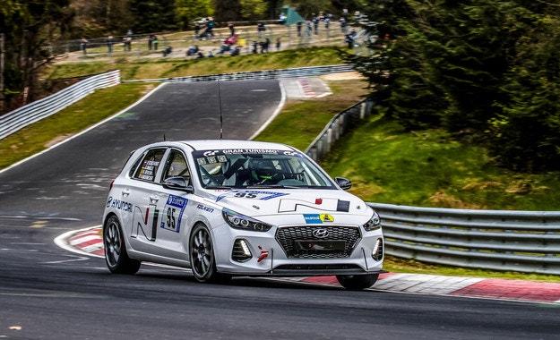 Финални тестове за Hyundai i30 N на Нюрбургринг