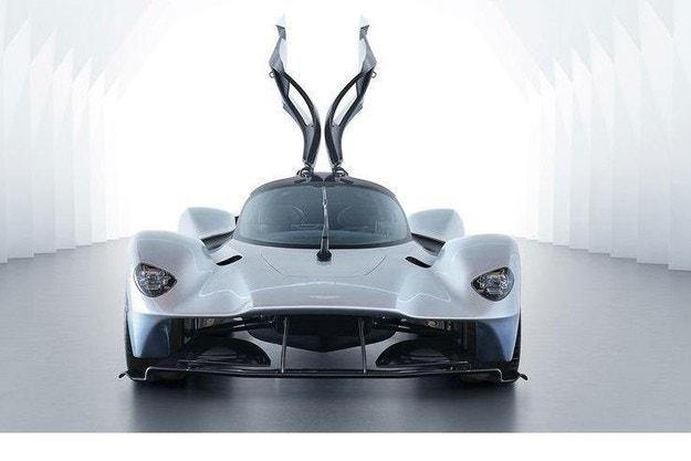 Новият Aston Martin Valkyrie