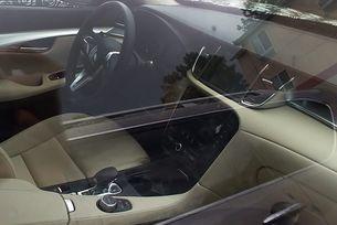Новият QX50 ще получи спортен волан от купето Q60 и двоен дисплей на централната конзола