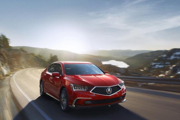 Acura обнови най-големия си седан