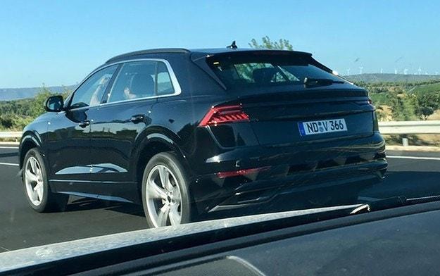 Издебнаха кросоувъра Audi Q8 без камуфлаж