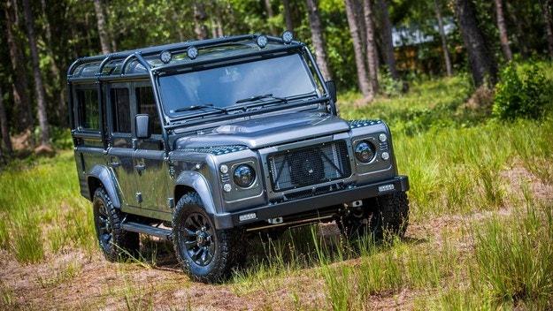 Тунингован Land Rover Defender нарекоха Kingsman