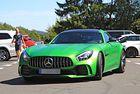 Mercedes AMG GT4: Спортният автомобил за пътя