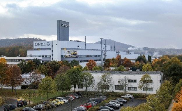 Празнуват 25 години на завода на Opel в Айзенах