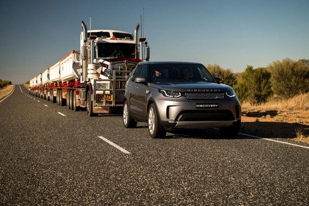 Нова демонстрация на силата на Land Rover Discovery