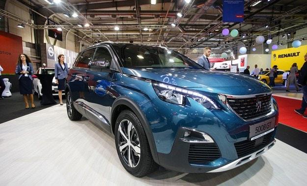 Българска премиера на новото Peugeot 5008