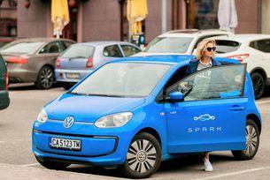 Споделена мобилност с електромобили действа в София