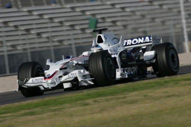 Хайдефлд и Кубица за F1.08