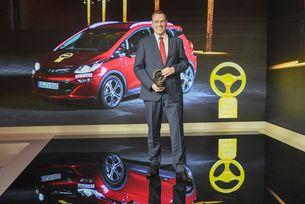 "Opel Ampera-e печели наградата ""Златен волан 2017"""