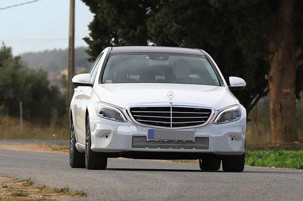 Какво да очакваме от обновения Mercedes C-класа