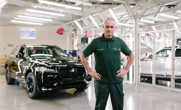 Жозе Моуриньо посети завода на Jaguar в Солихъл