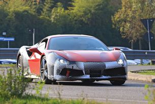 Уловен е мистериозен прототип на Ferrari 488 GTO