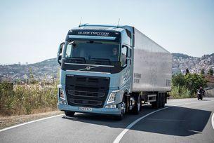 Китайският Geely скочи във Volvo Trucks