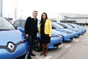 Делегатите на форума ще пътуват с Renault Zoe