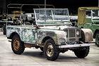Land Rover чества 70-годишнината на марката