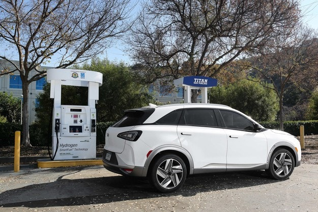Hyundai готви 18 екологични модела до 2025 г.