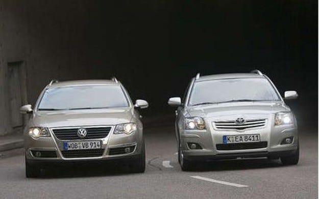 VW Passat vs. Toyota Avensis