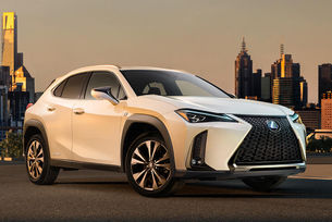 Lexus разсекрети новия компактен кросоувър UX