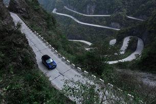 Range Rover Sport SVR с рекорд на пътя Тианмен