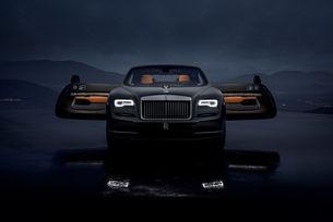 "В Rolls-Royce Wraith ""падат звезди"""
