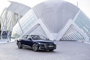 Audi представя флагмана A8 на TouristAutoShow