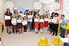 """18 ученици от 6 училища в страната получиха своите награди за рисунките на тема """"Аз пресичам безопасно"""" (I-II клас) и """"Електромобилът в зеления град"""" (III-V клас)"""
