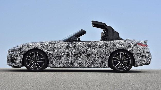 Новото BMW Z4 ще получи само мек покрив