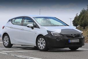 Opel Astra с пет врати вече с френски двигатели