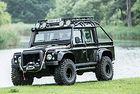 Продават всъдехода Land Rover на Джеймс Бонд