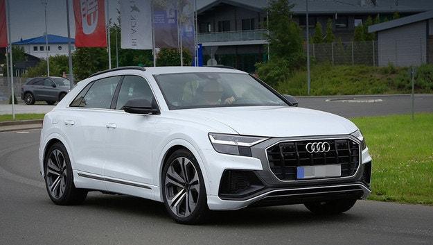 Разсекретиха дизайна на спортното Audi Q8