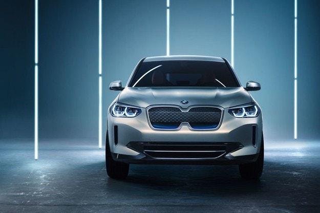 BMW IX3 (2021): Изцяло електрически SUV модел