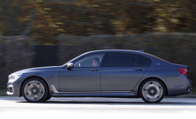 BMW M760Li xDrive: Една бъдеща класика