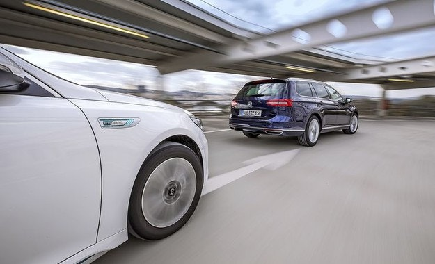 Kia Optima SW Plug-in Hybrid и VW Passat Variant GTE: Практични и екологични