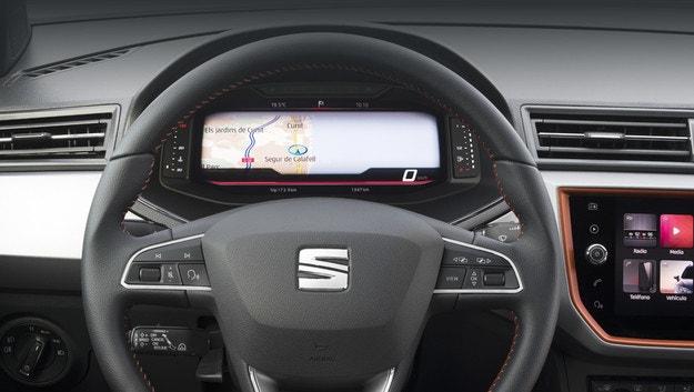 Моделите Seat Arona и Ibiza получават цифров панел