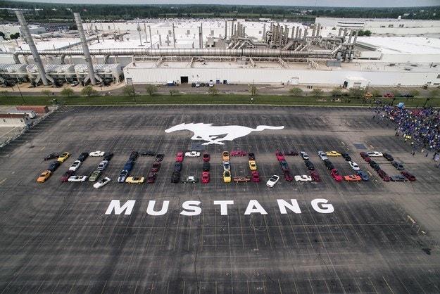 Ford празнува 10-милионния Mustang