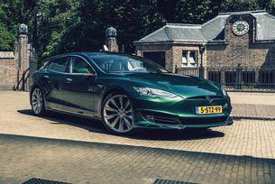Вижте луксозната Tesla Model S 75D в София