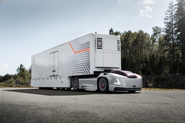 Volvo Trucks представя автономни електромобили
