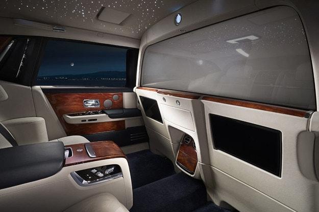 Rolls-Royce направи самостоятелен офис в Phantom