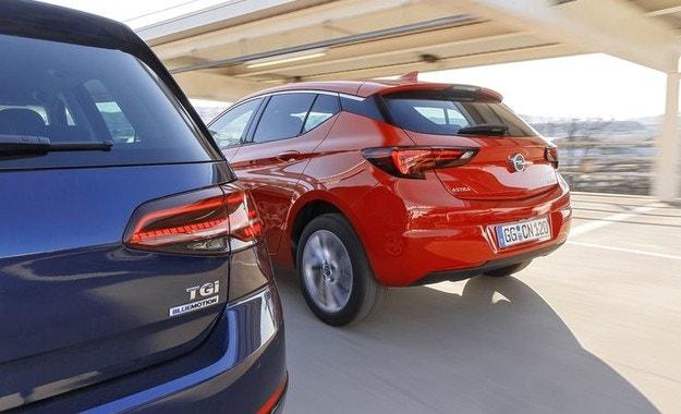 Opel Astra 1.4 CNG, VW Golf 1.4 TGI: Газ до дупка