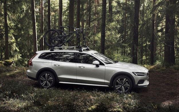 Новото Volvo V60 вече има и Cross Country версия