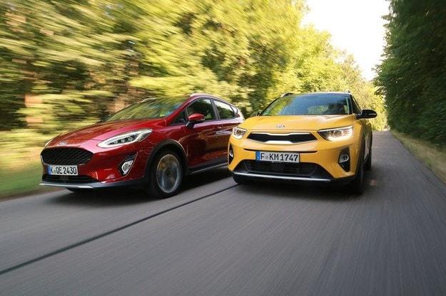 Ford Fiesta Active 1.0 Ecoboost срещу Kia Stonic 1.0 T-GDI