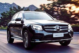 Mercedes-Benz представи нова модификация на кросоувъра GLC, който получи удължено междуосие