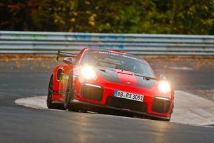 Porsche 911 GT2 RS MR постави рекорд на Нюрбургринг