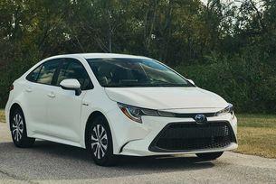Toyota Corolla получи хибридно задвижване