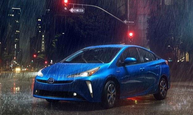 Toyota Prius минава на двойно предаване