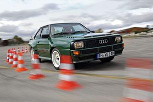 """Ние от auto motor und sport не успяхме да тестваме Audi Sport Quattro през 1983 година. Господ забавя но не забравя – сега в рубриката """"Ветерани на тест"""" ви срещаме с един от най-великите спортни автомобили на всички времена."""
