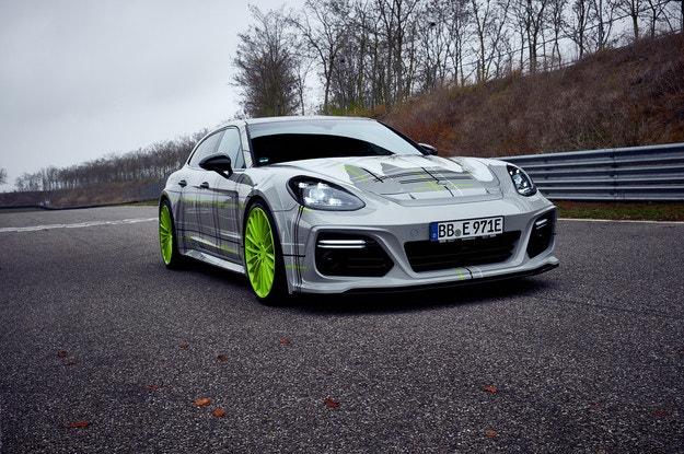 TechArt изненада с хибридното комби Porsche Panamera