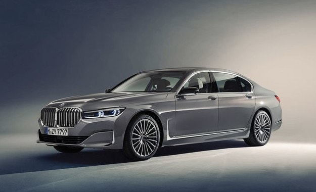 BMW обнови флагмансия седан Серия 7