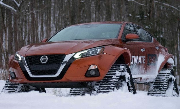 Nissan Altima вече се движи и с вериги